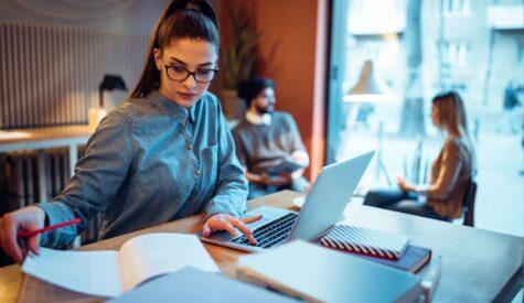 woman-book-laptop
